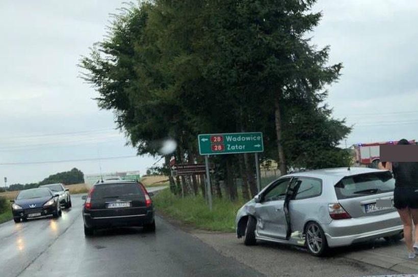 Stłuczka na skrzyżowaniu w Tomicach. To miejsce jest naprawdę niebezpieczne
