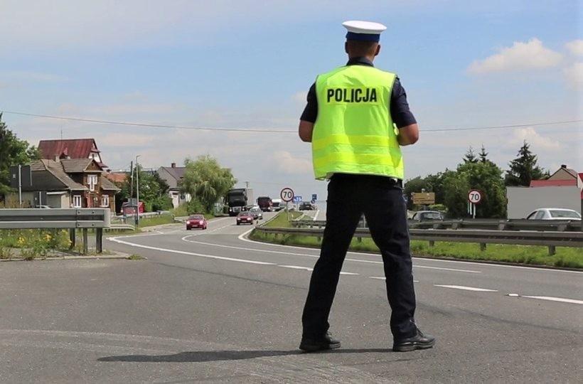 Półmetek wakacji, policja nie ma dobrych wieści. Tysiące przewinień kierowców
