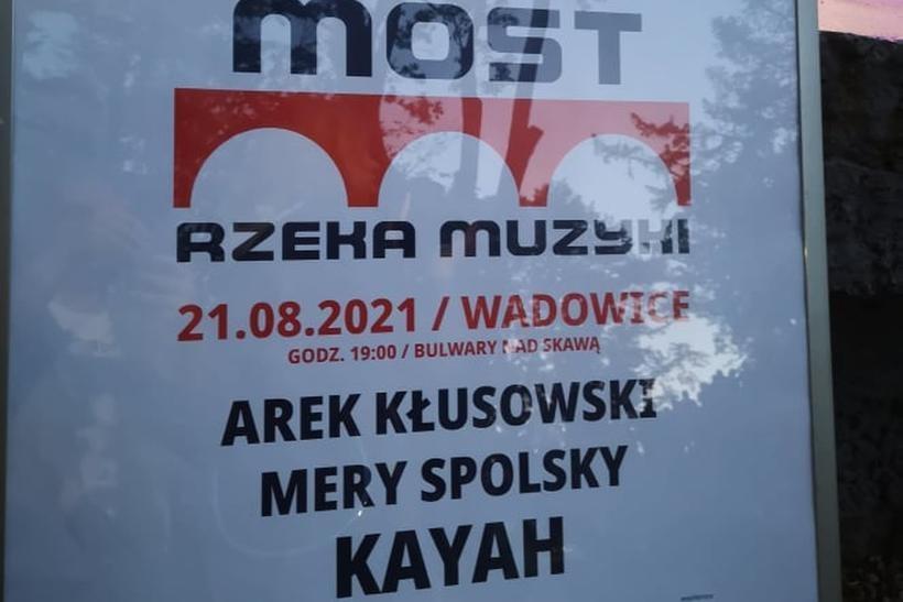 """Mery Spolsky, Kłusowski i Kayah na wadowickich bulwarach. Festiwal """"Most"""" w nowej odsłonie"""