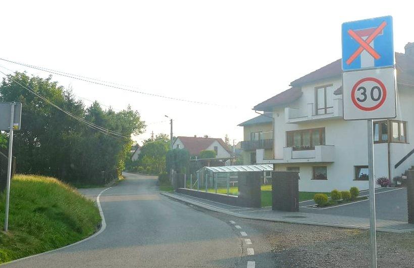 Wjazd na ulicę Starowiejską od strony Urzędu Gminy tylko dla mieszkańców