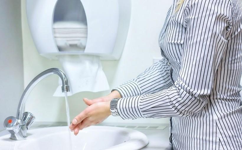 Kiedy to się skończy? Małopolski inspektor sanitarny podaje datę następnego szczytu zakażeń