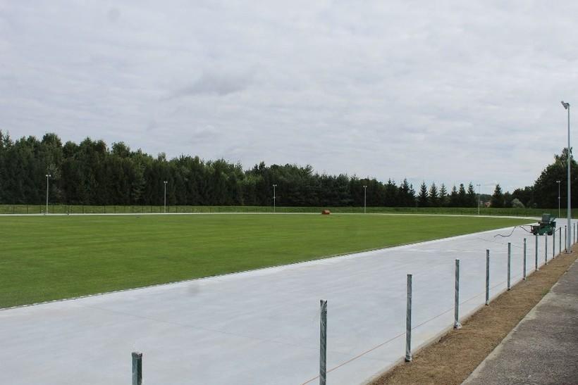 Stadion w Kalwarii Zebrzydowskiej będzie miał nową bieżnię, oświetlenie i monitoring