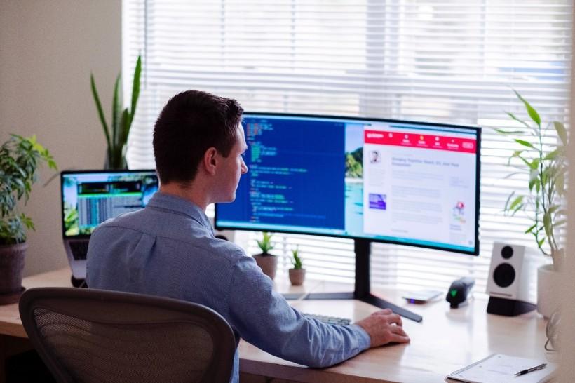 Dlaczego praca z domu jest trudniejsza, niż w biurze?