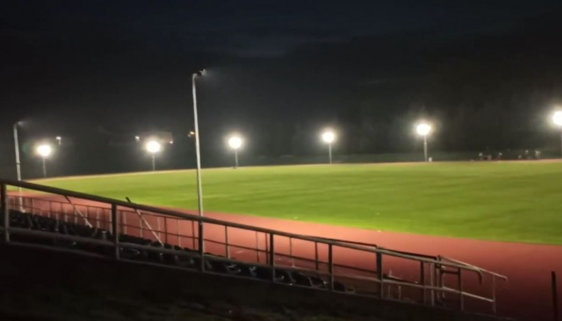 Rozświetlony stadion Kalwarianki