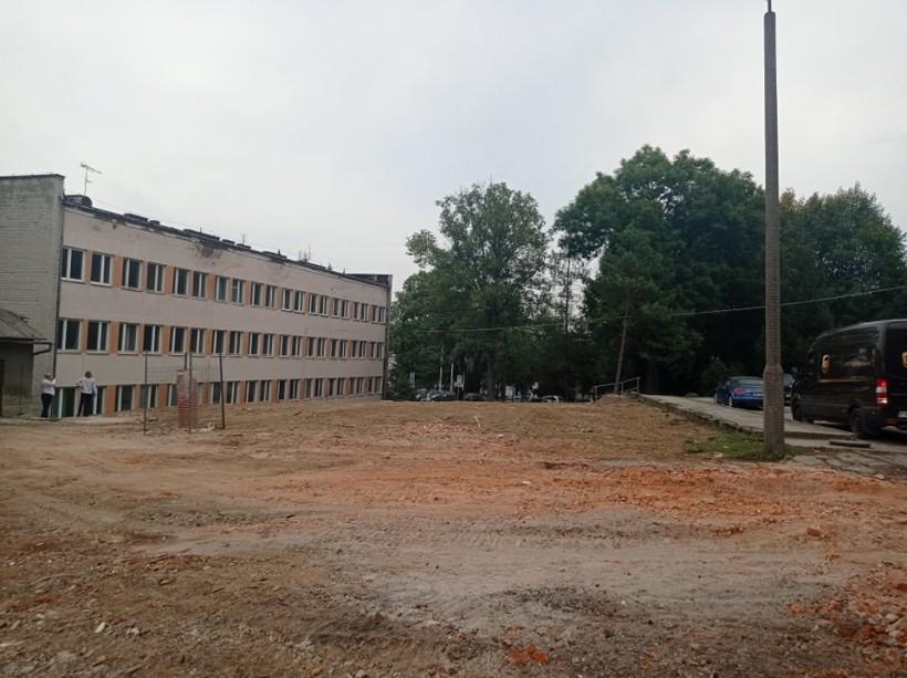 Starosta wadowicki o rozbiórce starego szpitala. Zarzeka się, że nie naruszył przepisów prawa