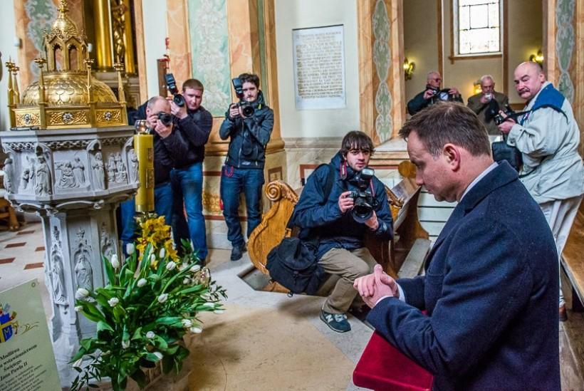 Andrzej Duda modlił się w bazylice Ofiarowania NMP