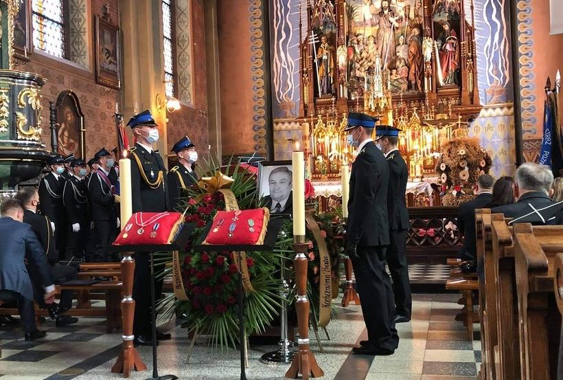 Pogrzeb Józefa Cholewki. Chocznia pożegnała swojego druha z honorami