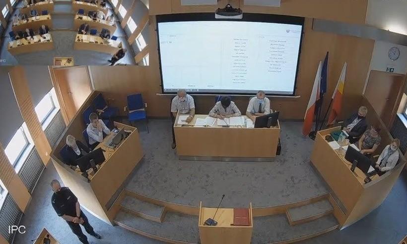 Koronawirus w Radzie Powiatu. Sanepid szuka radnych, nieszczepionych wysyła na kwarantannę