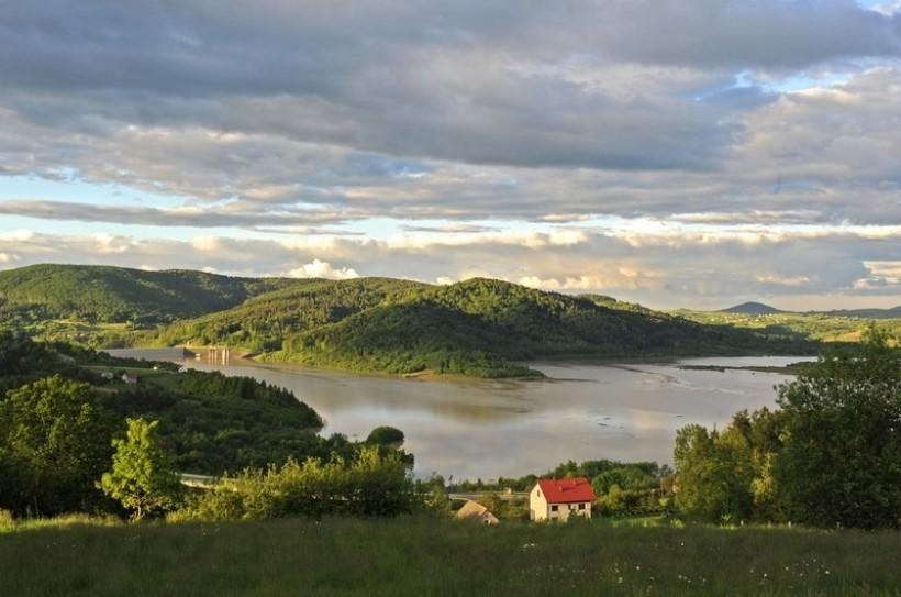 W Mucharzu radość - lada chwila rozpoczną projektować teren przy jeziorze