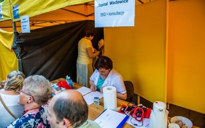 W zeszłyk roku lekarze w Parku Miejskim udzielili kilkaset porad medycznych. Tym razem , specjaliści  zapraszają do Mucharza
