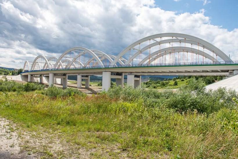Nowy most drogowy w Dąbrówce