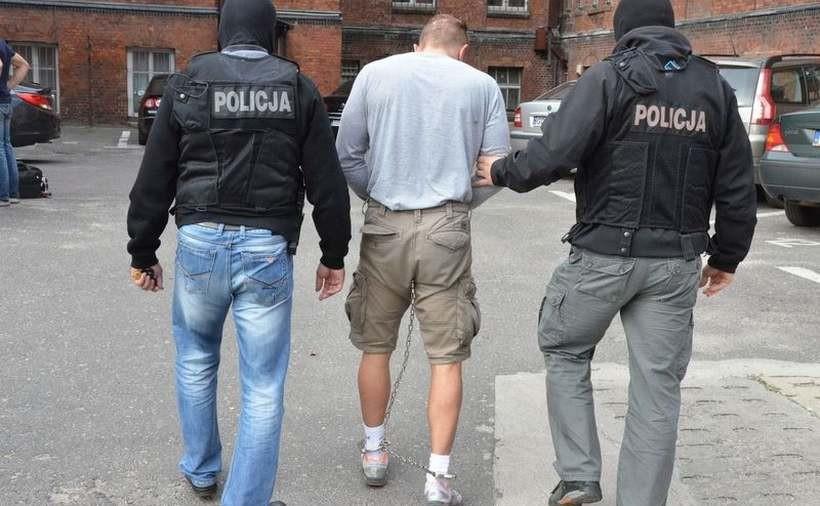 """Ważny przestępca wpadł w ręce policji. To on okradał wadowiczan metodą """"na wnuczka"""""""