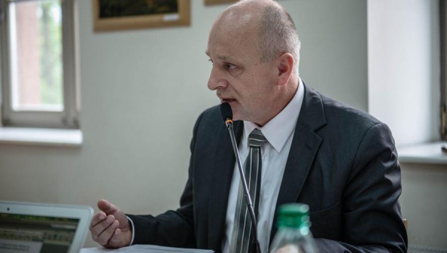 Zbigniew Stradomski chce by samorzad w Kalwarii Zebrzydowskiej najpierw zajął się służbą zdrowia wjego gminie, a potem uzdrawiał sytuację w innych miastach