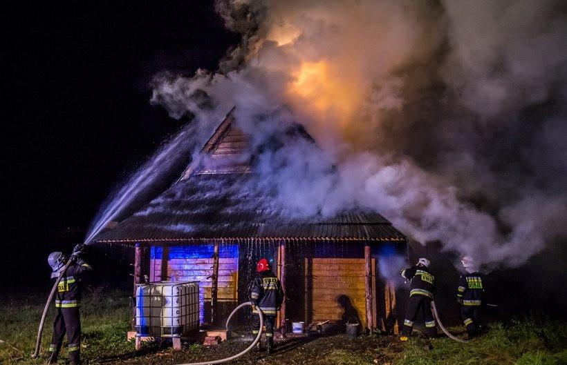 Pożar domku letniskowego w Kleczy Dolnej