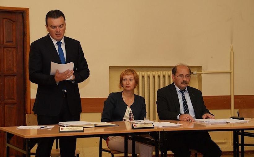 Mariusz Krystian, wójt Spytkowic, na ostatniej sesji rady gminy,  mógł się pochwalić nową inwestycją