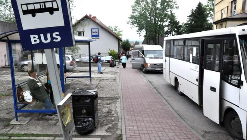 Za dużo pasażerów w busach. Kolejne kontrole potwierdzają, że przewoźnicy wciąż kombinują
