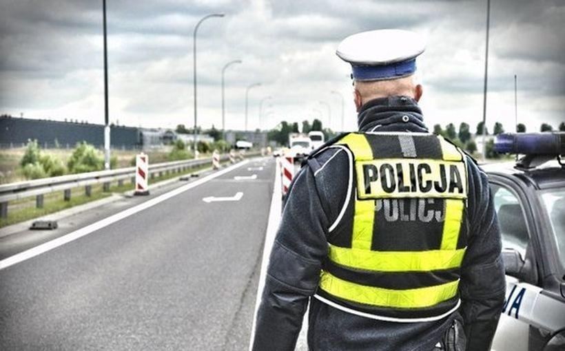 """""""Takie zachowanie zwiększa ryzyko śmierci"""" - tylko jedna akcja policjantów i aż 41 mandatów"""
