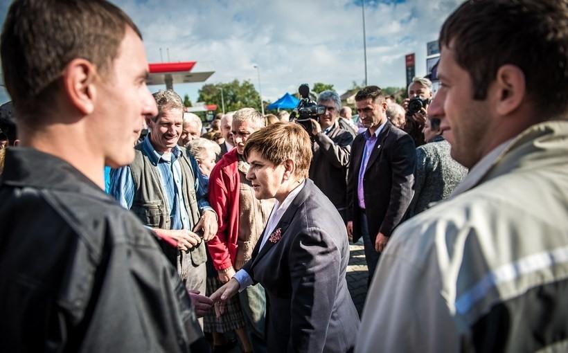 Beata Szydło podczas spotkania z wyborcami w Wieprzu
