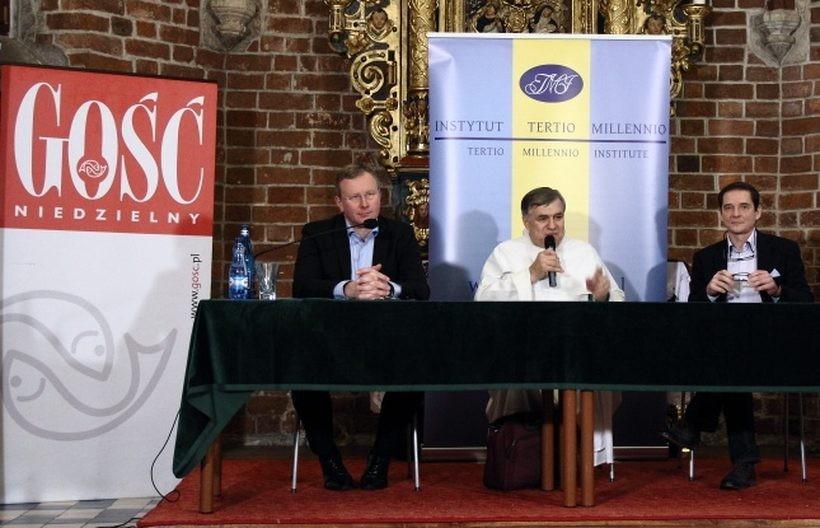 W kapitularzu krakowskich dominikanów debatowali m.in. dziennikarze - Bogusław Chrabota i Przemysław Babiarz