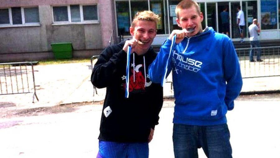 Rafał i Szymon z Wadowic na zawodach pływackich w Oświęcimu i Gliwicach stanęli na podium. Wychowankowie klubu Karl Wadowice to dobrze zapowiadający się pływacy