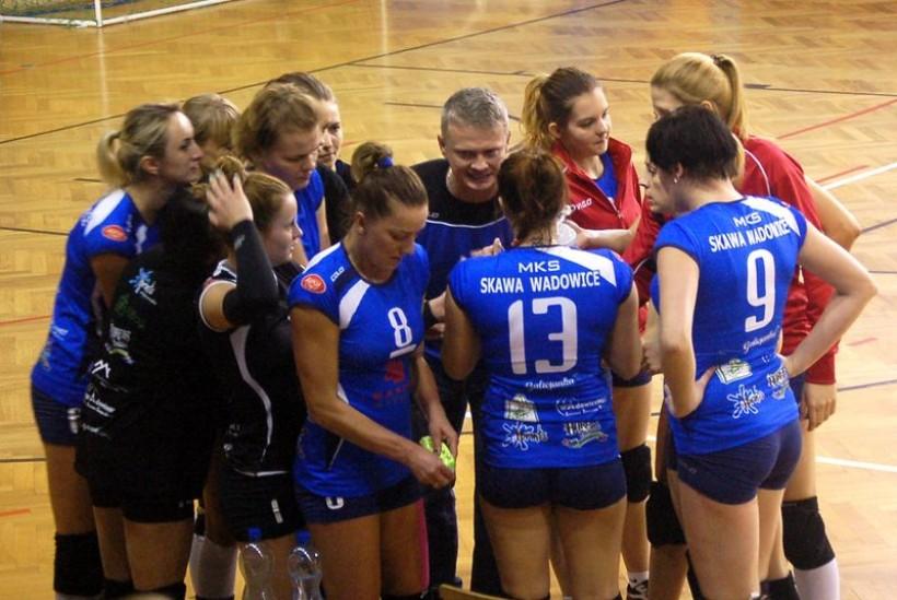 Trener podkreśla dziewczynom wielokrotnie, że każda w zespole jest dla niego bardzo ważna.