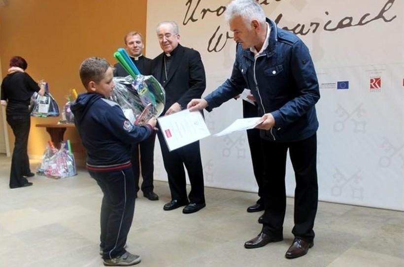 Jan Burkat został nagrodzony za działnośc filantropijną m.in. na rzecz papieskiego muzeum