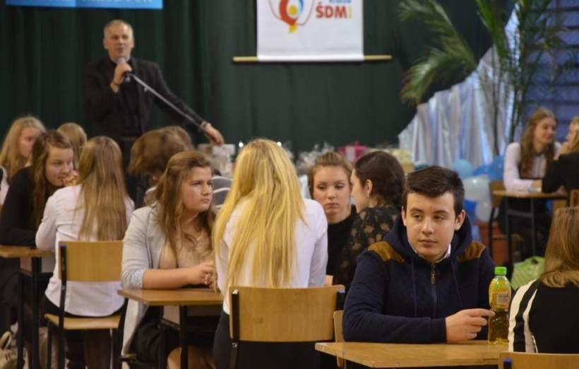 Gimnazjum ze Stanisławia najlepsze w konkursie wiedzy o Janie Pawle II