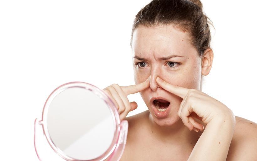 Jakie są wskazania do korekcji nosa kostnego?