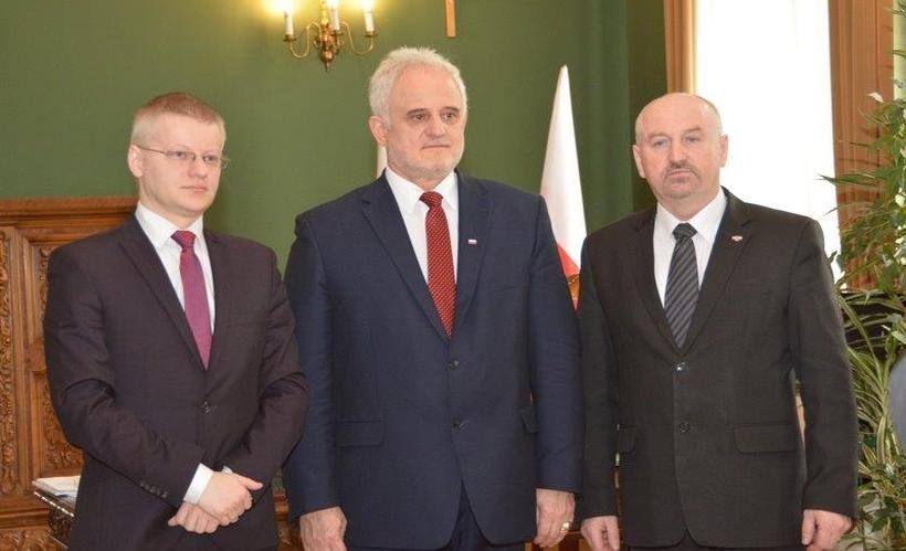 Starosta Bartosz Kaliński, wojewoda Jóżef Pilch i poseł Marek Polak