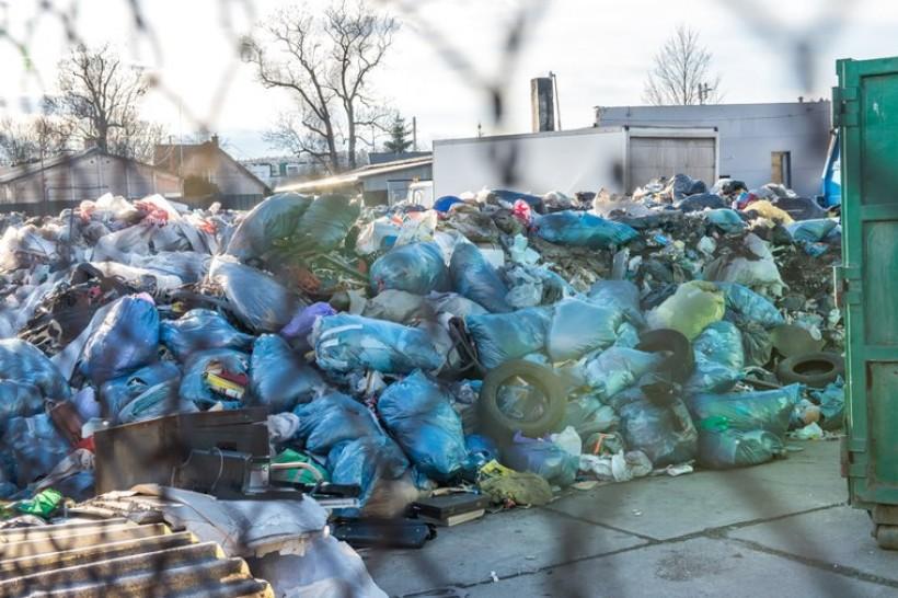 Prokuratura sprawdzi, czy na ulicy Polnej składowano nielegalnie odpady komunalne