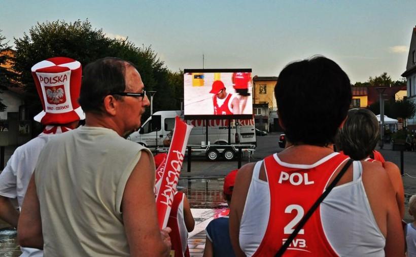Cztery lata temu w rodzinnym mieście Fijałka – Andrychowie utworzono  specjalną strefę kibica, w której wierni fani dopingowali swojego siatkarza w walce o medal olimpijski w Londynie