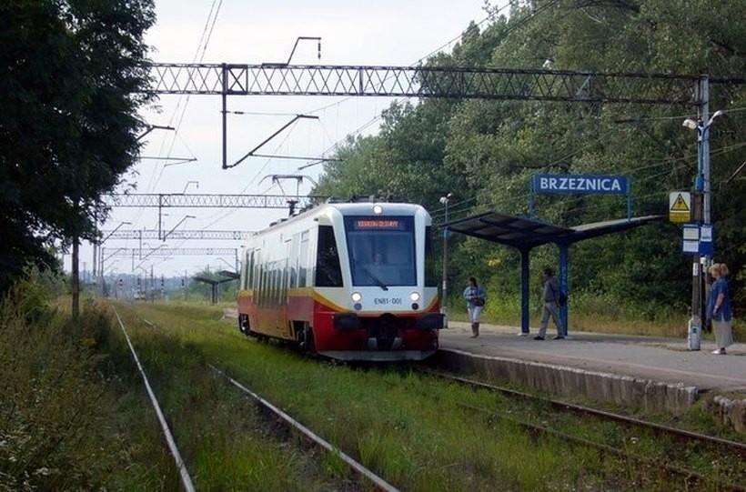 Ważne informacje dla użytkowników kolei w Brzeźnicy i Spytkowicach. Jest nowy rozkład