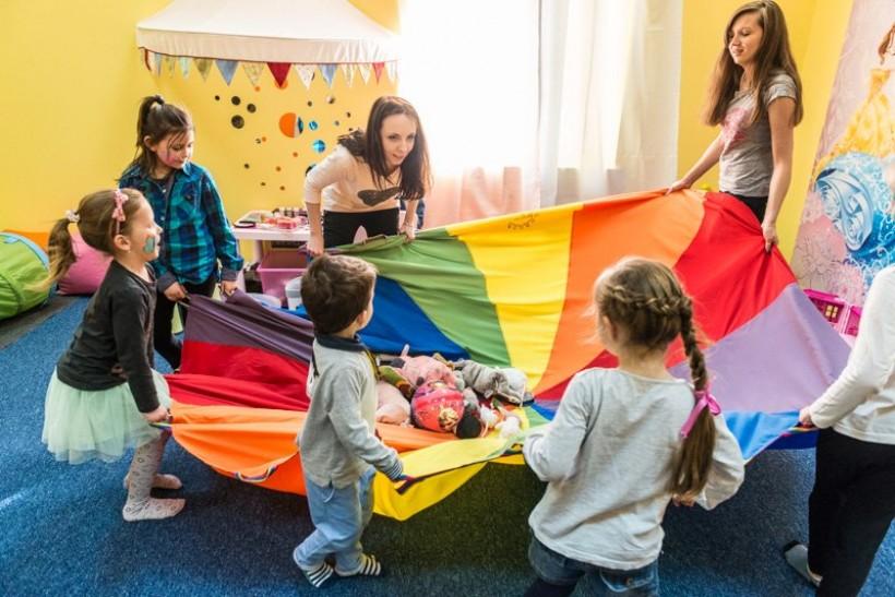 Planujesz imprezę dla dziecka? Musisz poznać tę ofertę, MiniBoom bawi najlepiej