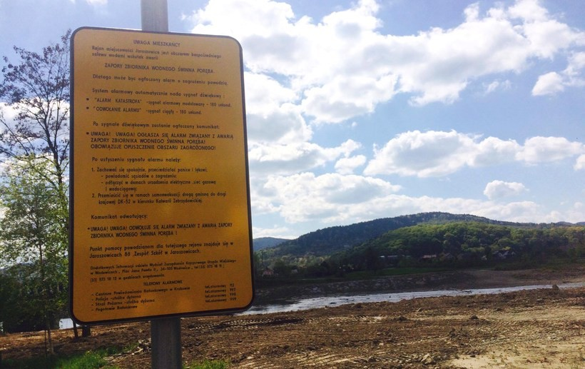 Tablice ostrzegawcze umieszczono m.in. w Jaroszowicach