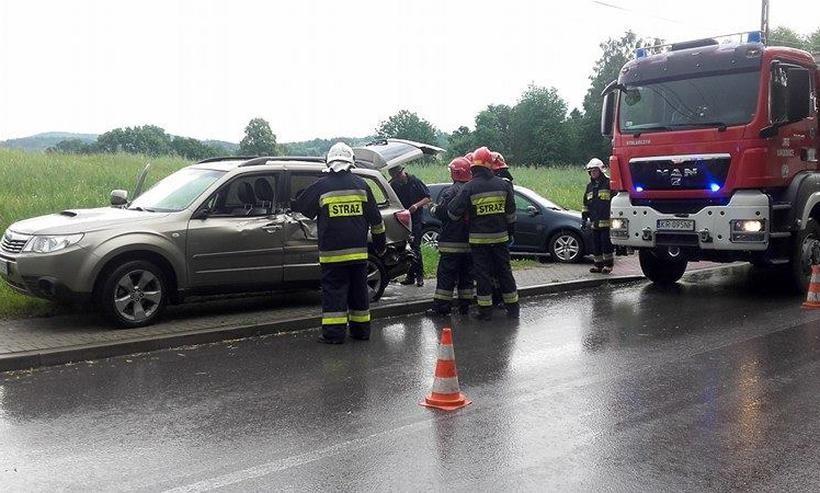 Pożar poddasza w Kalwarii, wypadek w Witanowicach. Gorąca środa służb ratunkowych