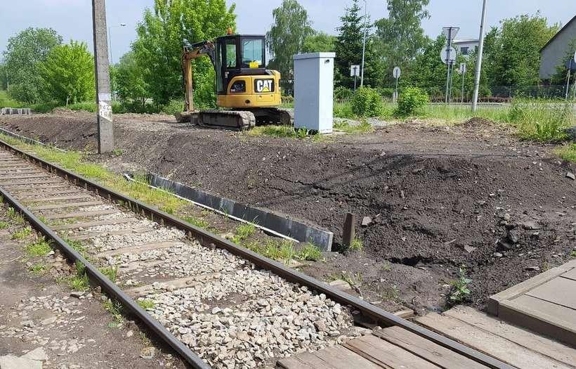 Jest remont przejazdu kolejowego, są utrudnienia w ruchu. Gdzie objazdy?