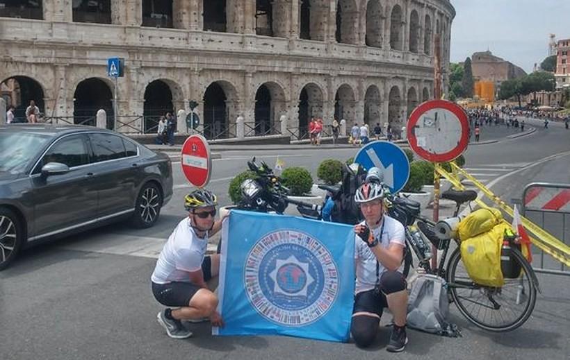 Z Wadowic do Rzymu na rowerze. Udało im się pokonać własne słabości