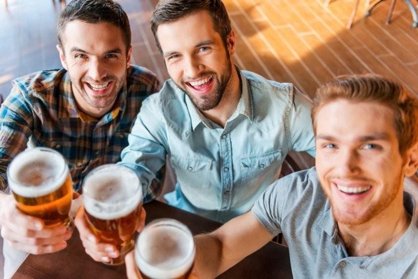 Czy podać państwu coś do picia?  Sprzedaż piwa w gastronomii generuje miejsca pracy