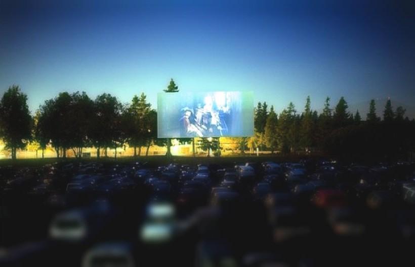 Prawdziwie amerykańskie kino samochodowe w Energylandii