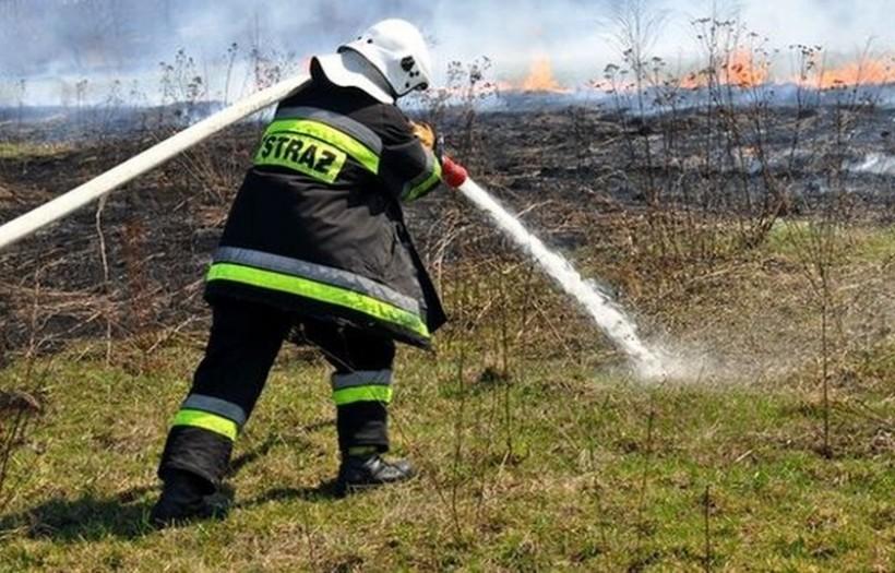 Niespokojny weekend dla strażaków, gasili pożary aż pięć razy