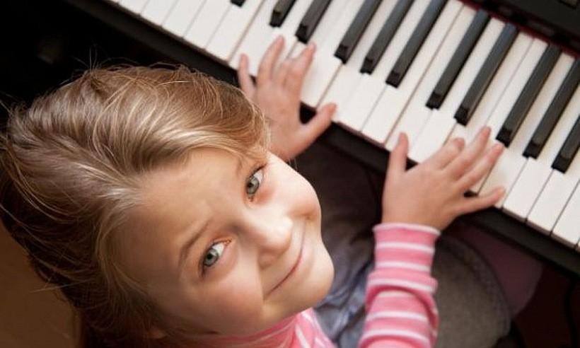 Zastanawiasz się, czy Twoje dziecko mogłoby zacząć grać? Yamaha da Ci odpowiedź