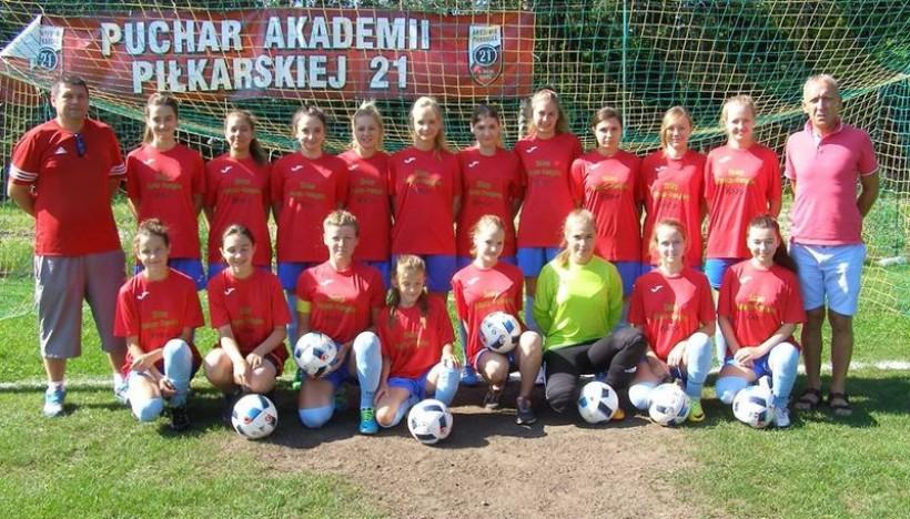 Piłkarki Queens Witanowice