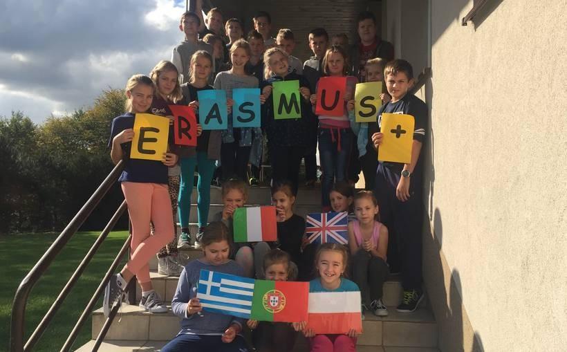 Dzieci z podstawówki w Paszkówce cieszą się z nowych możliwości