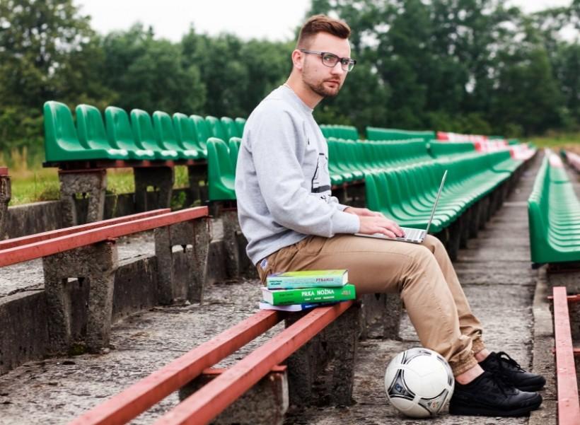 Mariusz Kondak na stadionie Skawy Wadowice