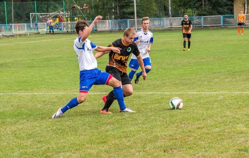 W poprzednim sezonie w derbowym meczu Iskry z Sosnowianką Adam Frączek zagrał w zespole gości. Tym razem wystąpi po drugiej strony barykady
