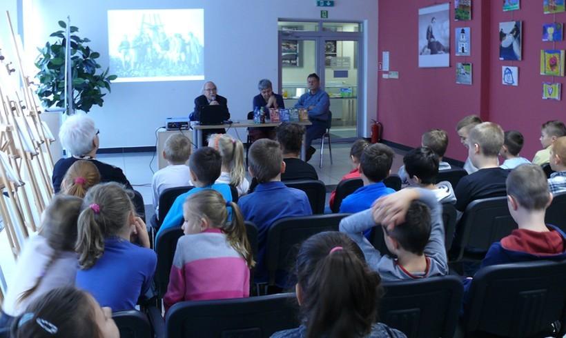 O czym biblioteka próbuje opowiedzieć dzieciom z Wadowic?