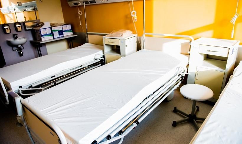 """Radykalne zmiany w opiece zdrowotnej? """"Pacjenci mogą stracić dostęp do leczenia"""""""