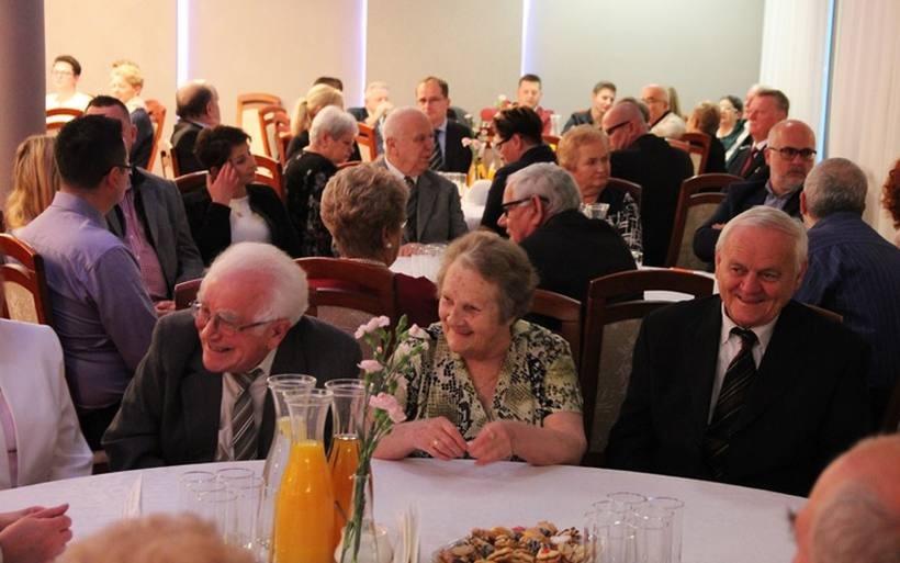 Trzydzieści par z Andrychowa przeżyło ze sobą 50 lat. W tych czasach - niesamowite!