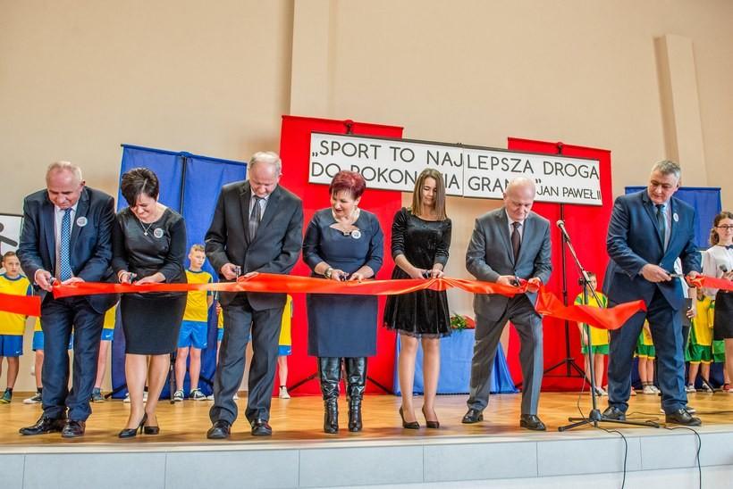 W Stanisławiu Dolnym mają nową salę widowiskowo-sportową. Podoba wam się?