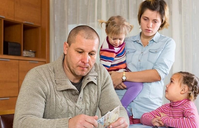 Rodziny wielodzietne nadal zagrożone ubóstwem. GUS potwierdza